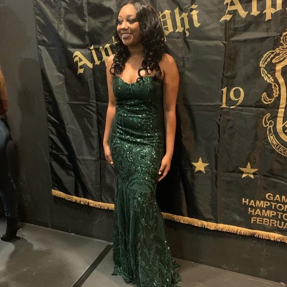 daa2f07f621e Club L Dresses | Formal Emerald Green Dress | Poshmark